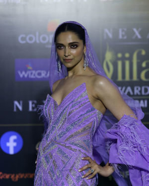 Deepika Padukone - Photos: Green Carpet Of IIFA Awards 2019