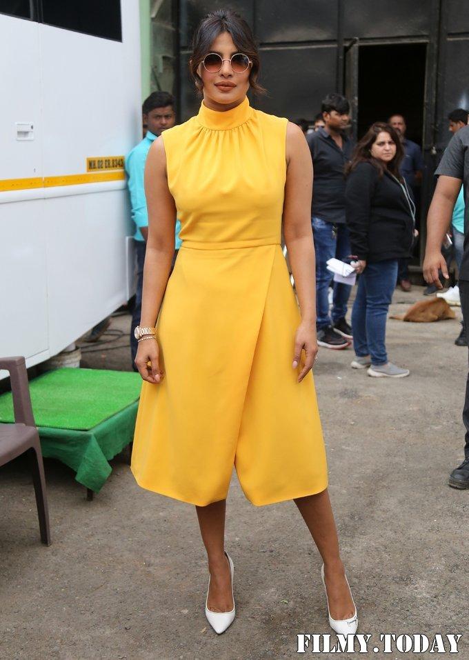 Priyanka Chopra - Photos: Promotion Of Film Sky Is Pink At Filmcity In Goregaon | Picture 1686532