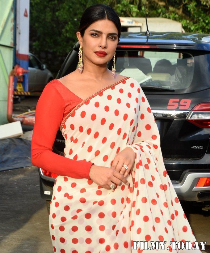 Priyanka Chopra - Photos: Promotion Of Film Sky Is Pink At Filmcity In Goregaon | Picture 1687924