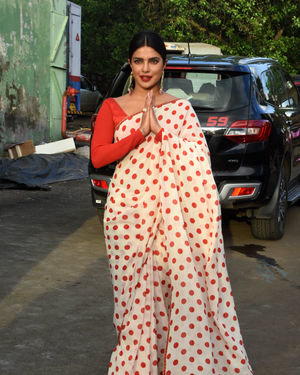 Priyanka Chopra - Photos: Promotion Of Film Sky Is Pink At Filmcity In Goregaon | Picture 1687922