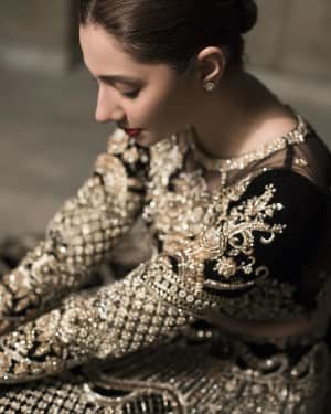 Mahira Khan Latest Photoshoot | Picture 1729728