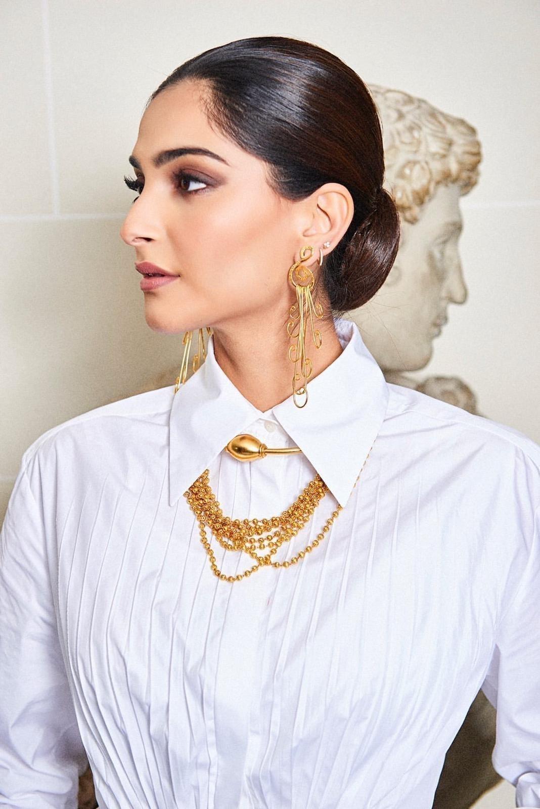 Photos: Sonam Kapoor For Maison Valentino Show In Paris   Picture 1718069