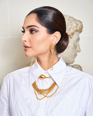 Photos: Sonam Kapoor For Maison Valentino Show In Paris | Picture 1718069