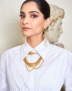 Photos: Sonam Kapoor For Maison Valentino Show In Paris | Picture 1718070