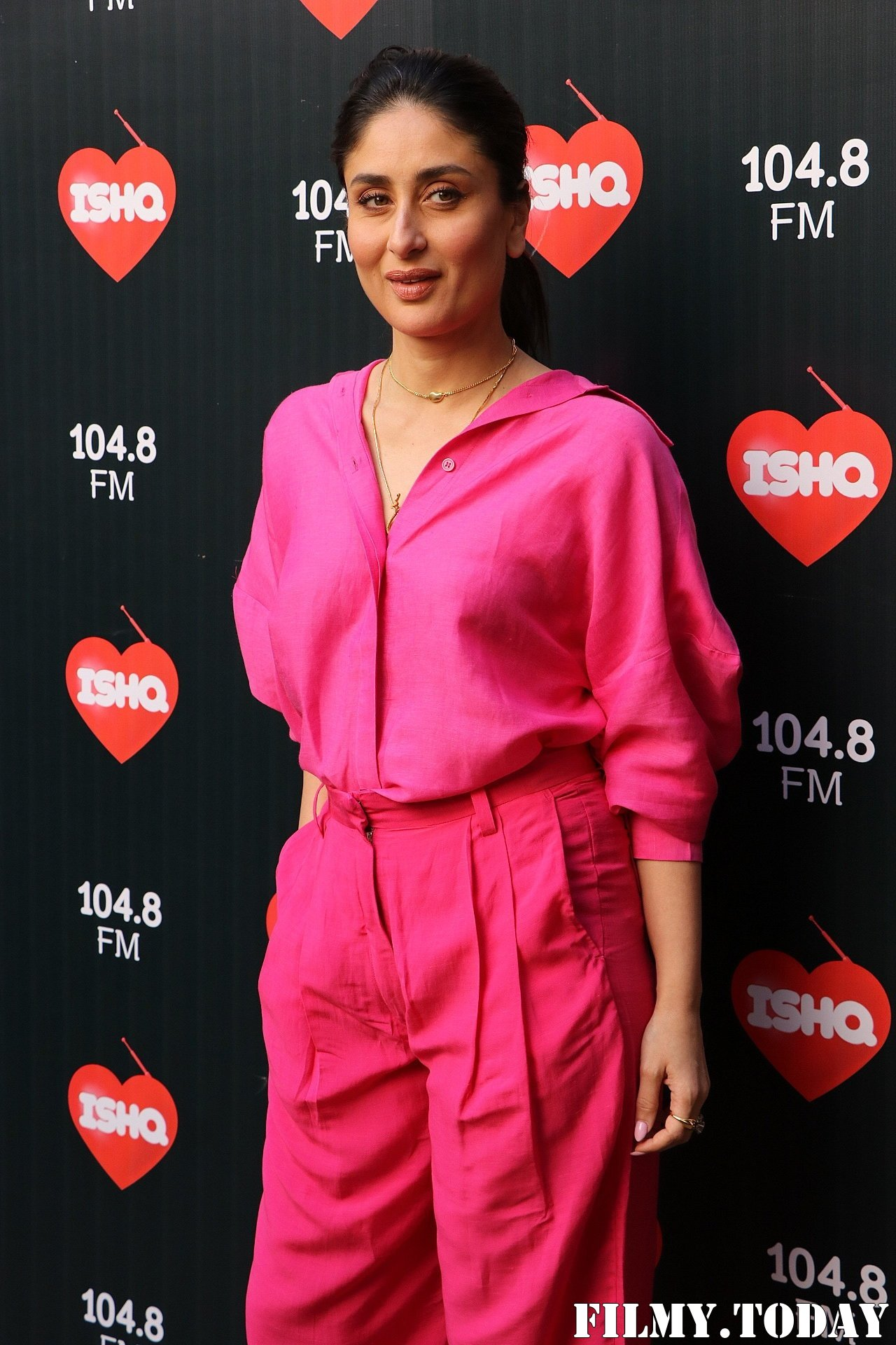 Kareena Kapoor - Photos: Celebs At Recording Of What Women Want At Mehboob Studio | Picture 1718883