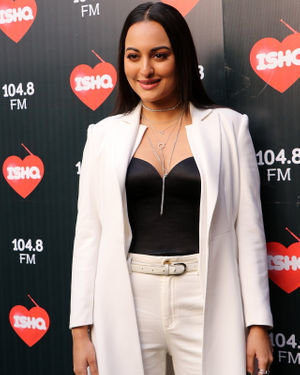 Sonakshi Sinha - Photos: Celebs At Recording Of What Women Want At Mehboob Studio
