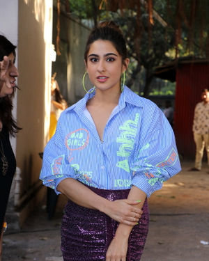 Sara Ali Khan - Photos: Celebs At Recording Of What Women Want At Mehboob Studio