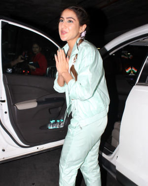 Sara Ali Khan - Photos: Celebs Spotted At Juhu | Picture 1719025