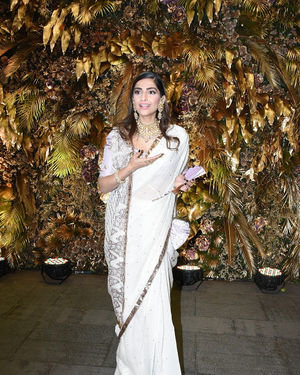 Sonam Kapoor Ahuja - Photos: Armaan Jain And Anissa Malhotra Wedding Reception In Mumbai | Picture 1719809