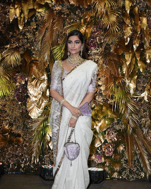 Sonam Kapoor Ahuja - Photos: Armaan Jain And Anissa Malhotra Wedding Reception In Mumbai | Picture 1719743