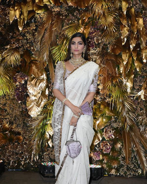 Sonam Kapoor Ahuja - Photos: Armaan Jain And Anissa Malhotra Wedding Reception In Mumbai | Picture 1719744