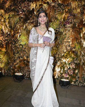 Sonam Kapoor Ahuja - Photos: Armaan Jain And Anissa Malhotra Wedding Reception In Mumbai | Picture 1719810
