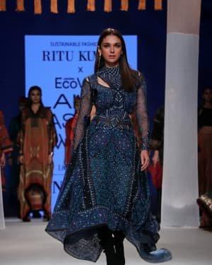 Photos: Aditi Rao Hydari Walks For Ritu Kumar At LFW 2020 | Picture 1720193