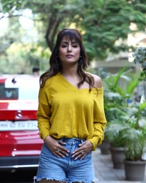 Hina Khan - Photos: Celebs Spotted At Andheri | Picture 1720200
