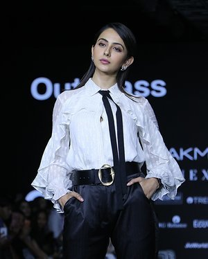 Photos: Rakul Preet Singh Walks For Ajio Show At LFW 2020 | Picture 1720040