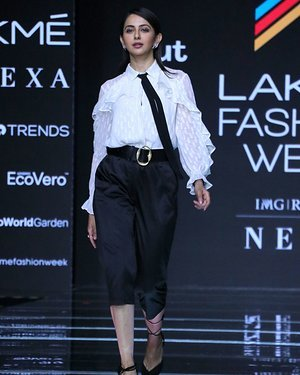 Photos: Rakul Preet Singh Walks For Ajio Show At LFW 2020 | Picture 1720034