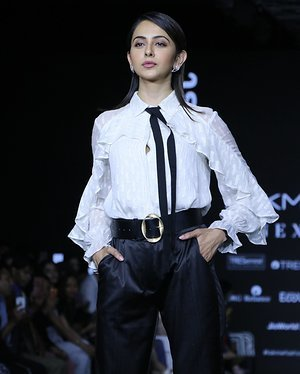 Photos: Rakul Preet Singh Walks For Ajio Show At LFW 2020 | Picture 1720039