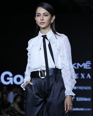 Photos: Rakul Preet Singh Walks For Ajio Show At LFW 2020 | Picture 1720037