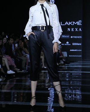 Photos: Rakul Preet Singh Walks For Ajio Show At LFW 2020 | Picture 1720038