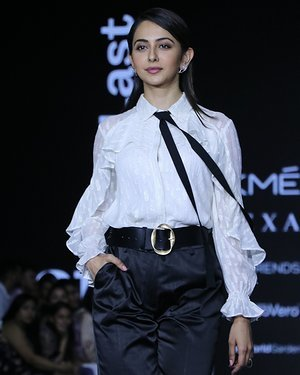 Photos: Rakul Preet Singh Walks For Ajio Show At LFW 2020 | Picture 1720036