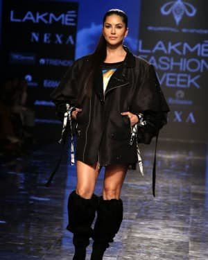 Photos: Sunny Leone Walks For Swapnil Shinde At LFW 2020 | Picture 1720043