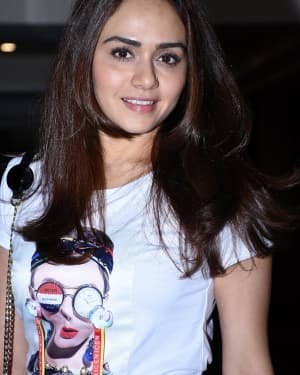 Amruta Khanvilkar - Photos: Malang Starcast At Kunal Khemu's House In Bandra | Picture 1720298