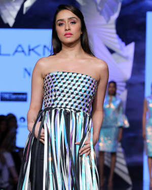 Photos: Shraddha Kapoor Walks For Rielan By Pankaj And Nidhi At LFW 2020 | Picture 1720917