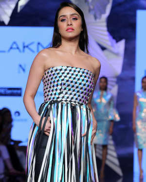 Photos: Shraddha Kapoor Walks For Rielan By Pankaj And Nidhi At LFW 2020 | Picture 1720916