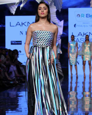 Photos: Shraddha Kapoor Walks For Rielan By Pankaj And Nidhi At LFW 2020 | Picture 1720919