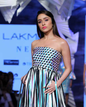 Photos: Shraddha Kapoor Walks For Rielan By Pankaj And Nidhi At LFW 2020 | Picture 1720918