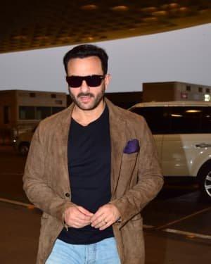 Saif Ali Khan - Photos: Bunty Aur Babli 2 Cast Snapped At Airport | Picture 1721159