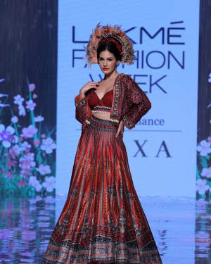 Photos: Amyra Dastur Walks Ramp At Lakme Fashion Week 2020 | Picture 1721740