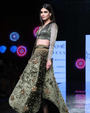 Photos: Diana Penty Walks For Shivana Naresh At LFW 2020 | Picture 1721609