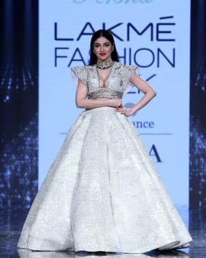 Photos: Divya Khosla Walks Ramp At LFW 2020 | Picture 1721721