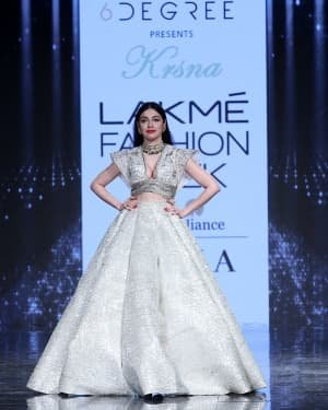 Photos: Divya Khosla Walks Ramp At LFW 2020 | Picture 1721723
