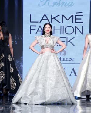 Photos: Divya Khosla Walks Ramp At LFW 2020 | Picture 1721719