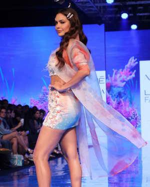 Photos: Esha Gupta At Lakme Fashion Week Summer Resort 2020 | Picture 1721662