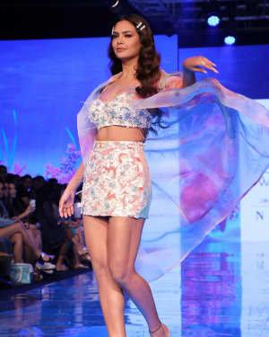 Photos: Esha Gupta At Lakme Fashion Week Summer Resort 2020 | Picture 1721661