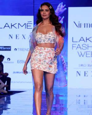 Photos: Esha Gupta At Lakme Fashion Week Summer Resort 2020 | Picture 1721660
