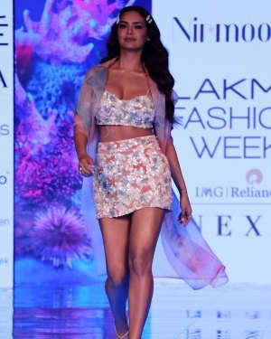 Photos: Esha Gupta At Lakme Fashion Week Summer Resort 2020 | Picture 1721659