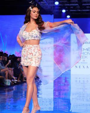 Photos: Esha Gupta At Lakme Fashion Week Summer Resort 2020 | Picture 1721663