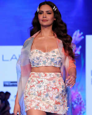 Photos: Esha Gupta At Lakme Fashion Week Summer Resort 2020
