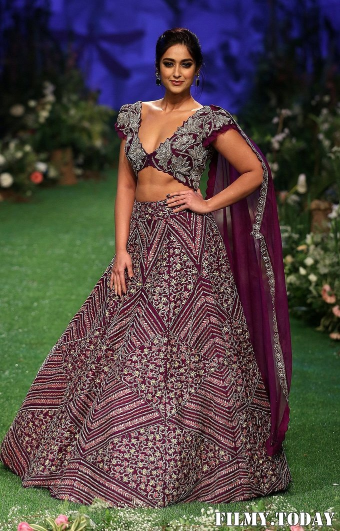 Photos: Ileana D'Cruz Walks Ramp At Lakme Fashion Week 2020 | Picture 1721757