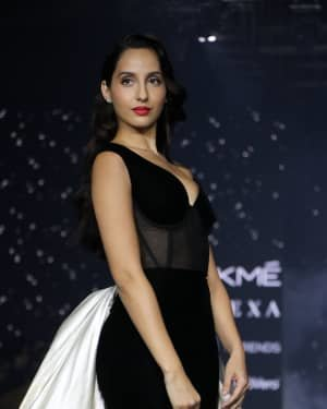 Photos: Nora Fatehi Walks For Gauri And Nainika At LFW 2020
