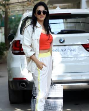 Photos: Kiara Advani Spotted At Dubbing Studio   Picture 1722055