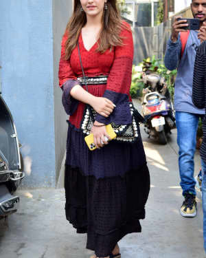 Nupur Sanon - Photos: Celebs Spotted At Juhu | Picture 1722483