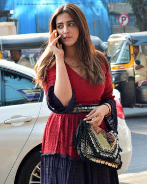 Nupur Sanon - Photos: Celebs Spotted At Juhu | Picture 1722467