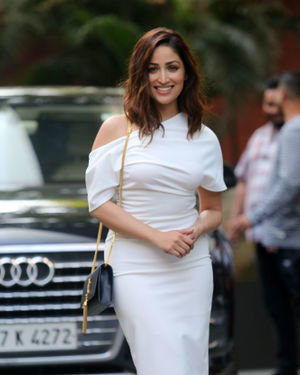 Yami Gautam - Photos: Celebs Spotted At Santacruz