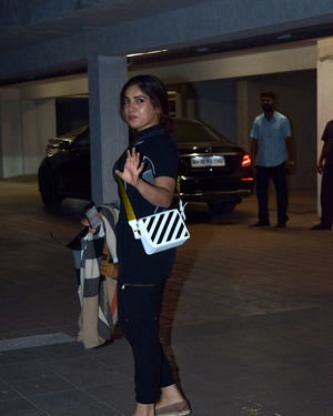 Bhumi Pednekar - Photos: Celebs Spotted At Santacruz | Picture 1713894