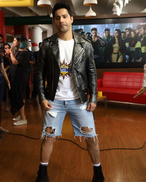 Varun Dhawan - Photos: Promotion Of Film Street Dancer 3D At Radio Mirchi Office | Picture 1714674